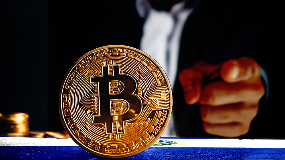 Bitcoin causará problemas crediticios a aseguradoras de El Salvador, dice calificadora