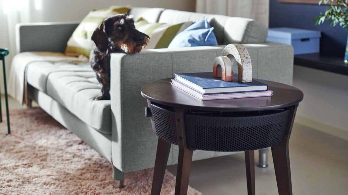 El primer purificador de Ikea viene camuflado en mesa auxiliar