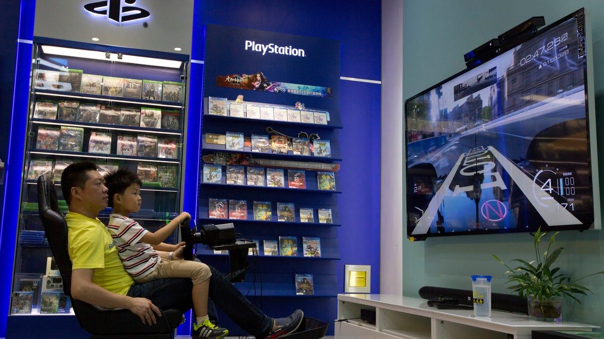 China prohíbe a los menores jugar a videojuegos más de tres horas semanales