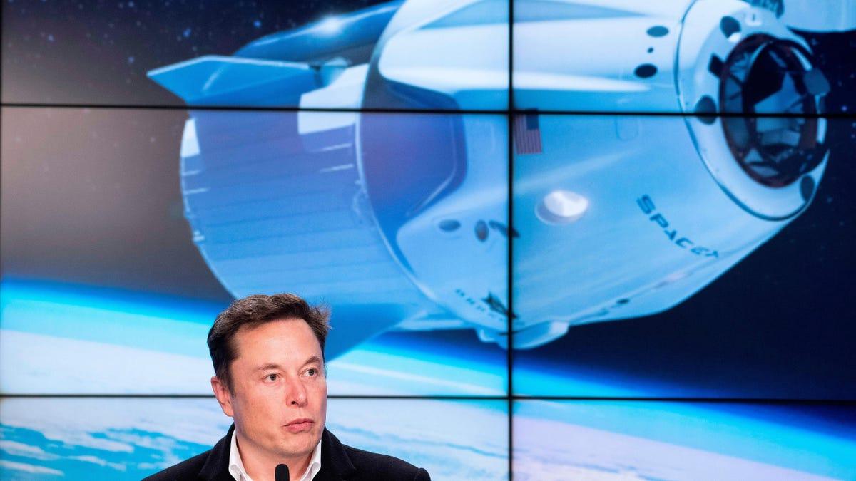 SpaceX lanzará el primer satélite para poner publicidad en el espacio