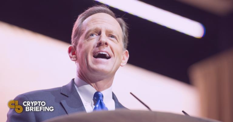 El principal senador critica el proyecto de impuestos criptográficos del proyecto de ley de infraestructura