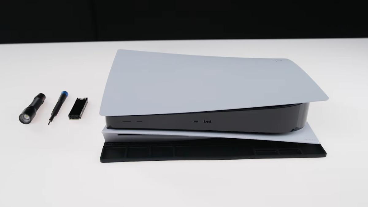 Cómo instalar un SSD M.2 en la PS5, paso a paso
