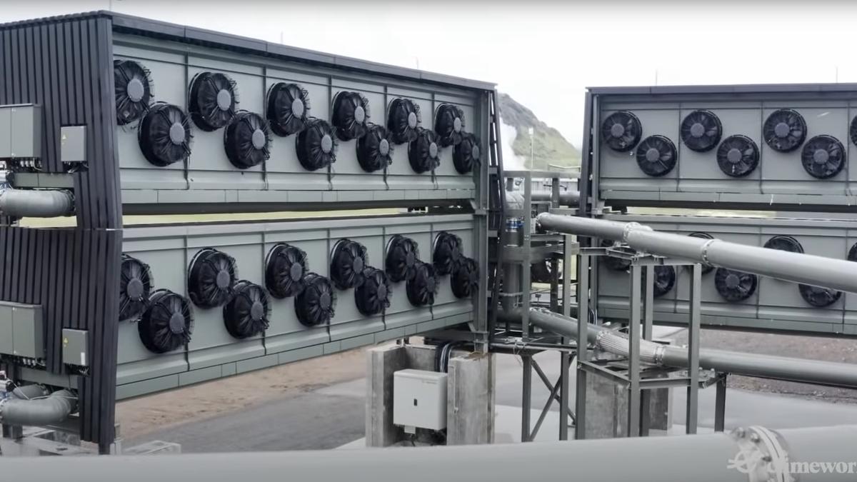 Esta máquina limpia el aire del humo de 870 coches