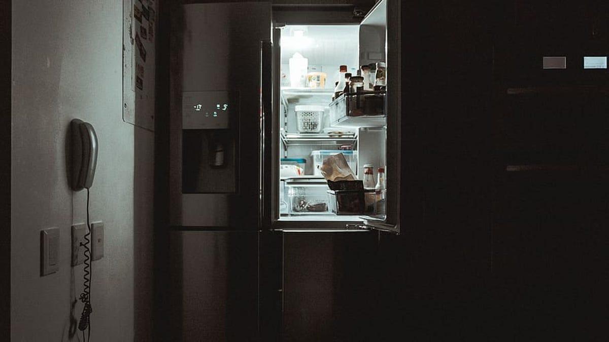 Por qué hay luz en tu nevera, pero no en el congelador