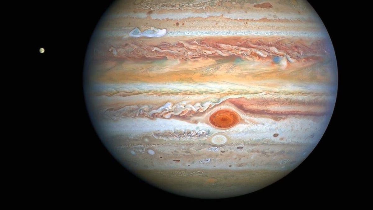 La Gran Mancha Roja de Júpiter está girando más rápido