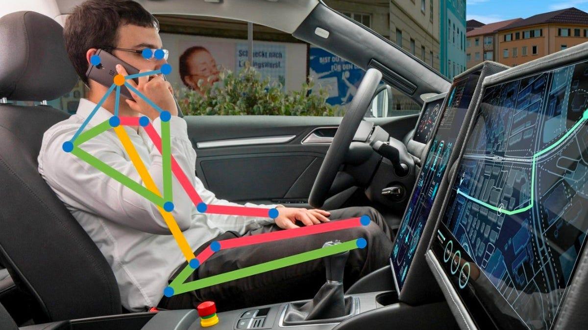 Cámaras inteligentes para auto que detectan qué haces mientras conduce