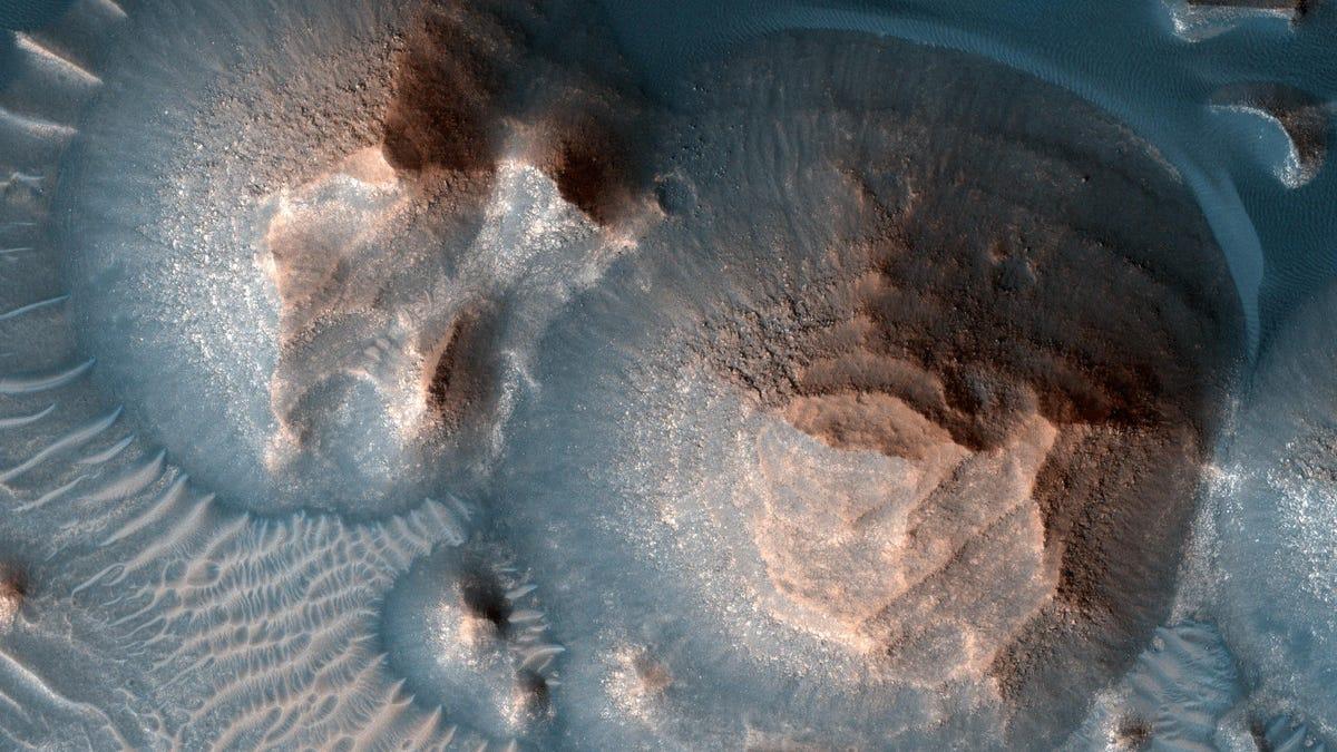 Hallan rastros de masivas erupciones en Marte