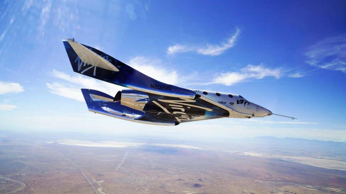 La nave de Virgin Galactic no volará hasta que la FAA termine