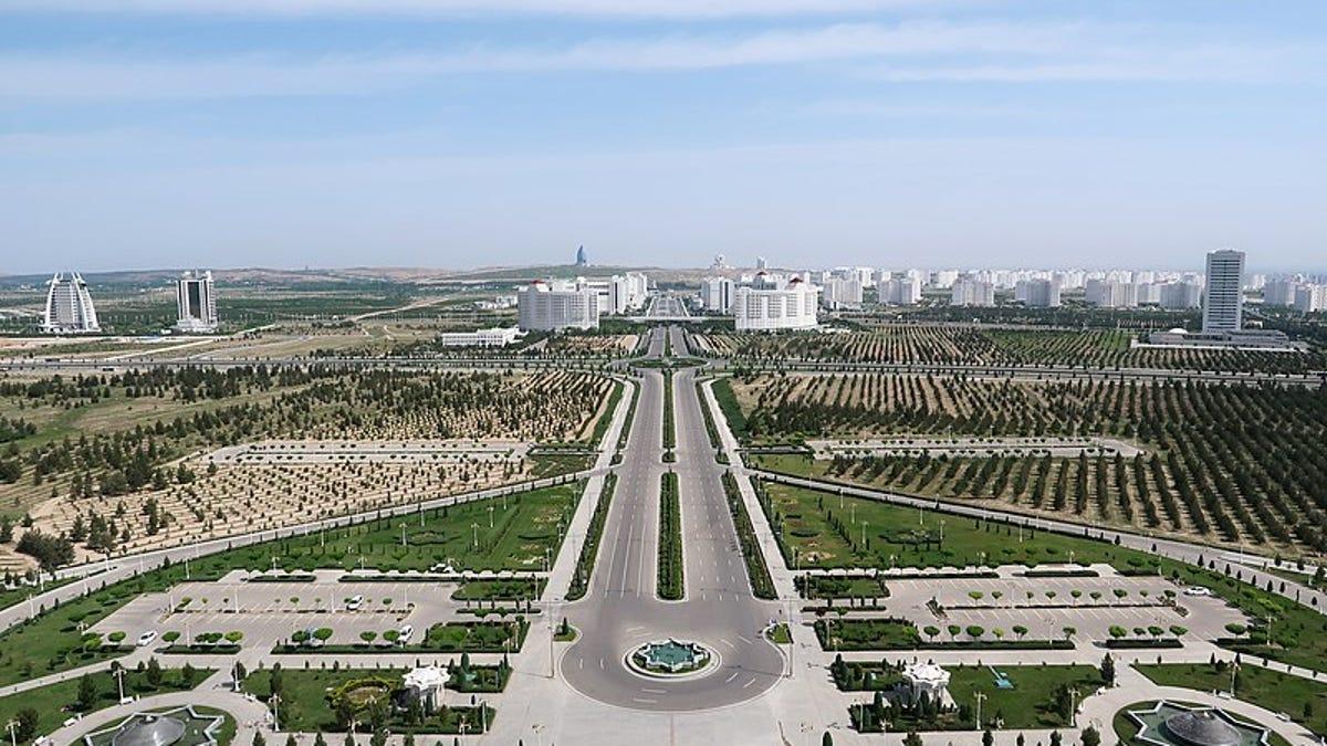 Por qué Ashgabat (Turkmenistán), es la ciudad más cara para vivir