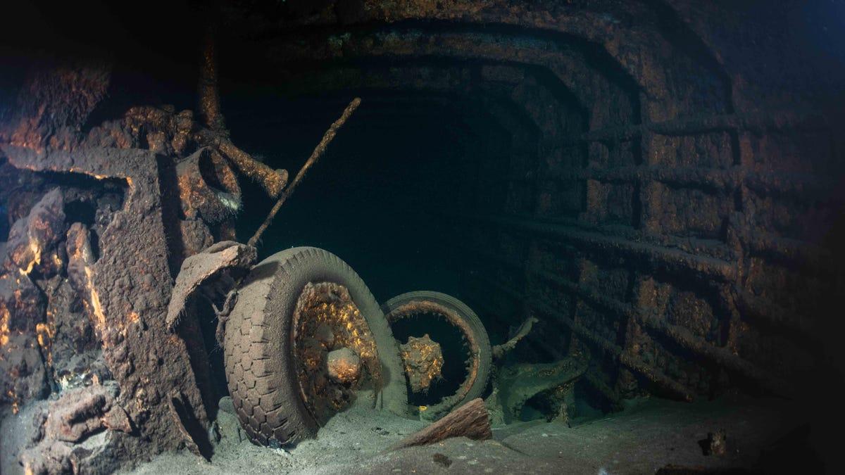 Equipo de buceo investigará detalladamente este barco nazi hundido