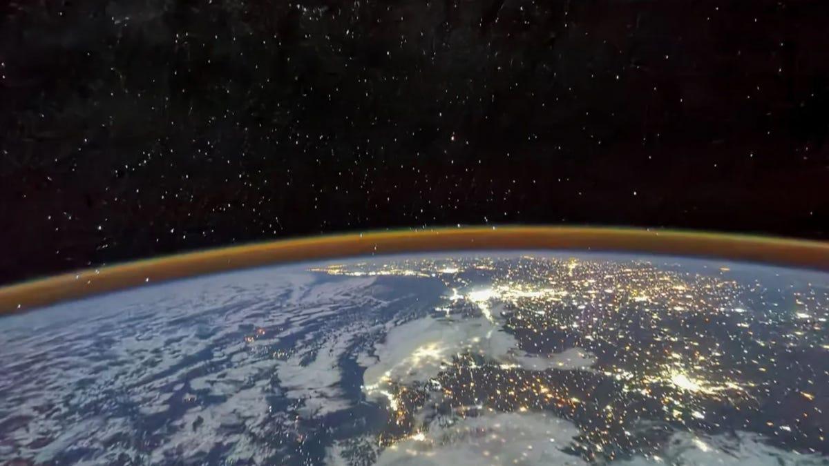 China publica nuevas fotos desde su estación espacial y la superficie de Marte