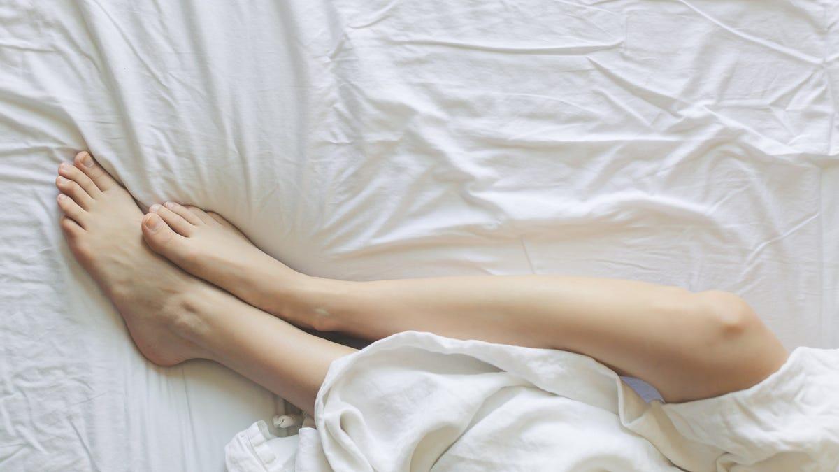 Un médico explica por qué es mejor no dormir desnudo
