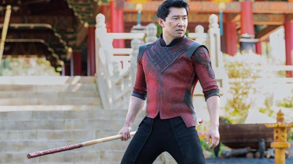 Que hacía el actor de Shang Chi para llegar a fin de mes