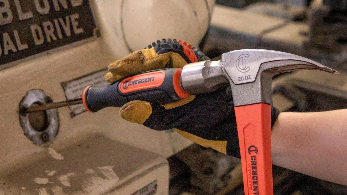 Este destornillador tiene el mecanismo definitivo para sacar los tornillos atascados