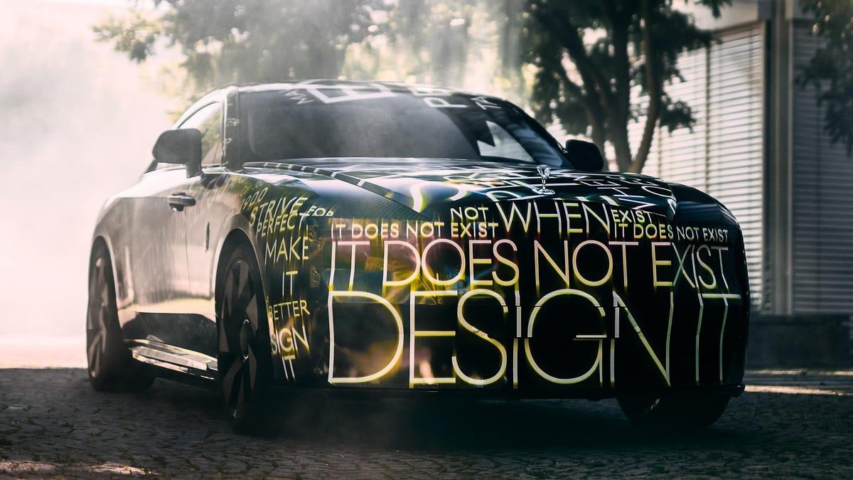 Rolls-Royce presenta el Spectre y anuncia que todos sus coches serán eléctricos antes de 2030