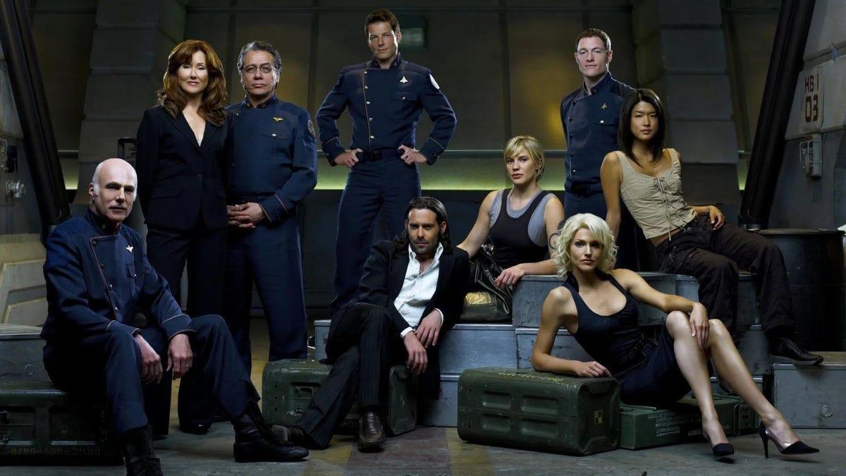El nuevo uniforme de la Fuerza Espacial de Estados Unidos parece sacado de Battlestar Galactica