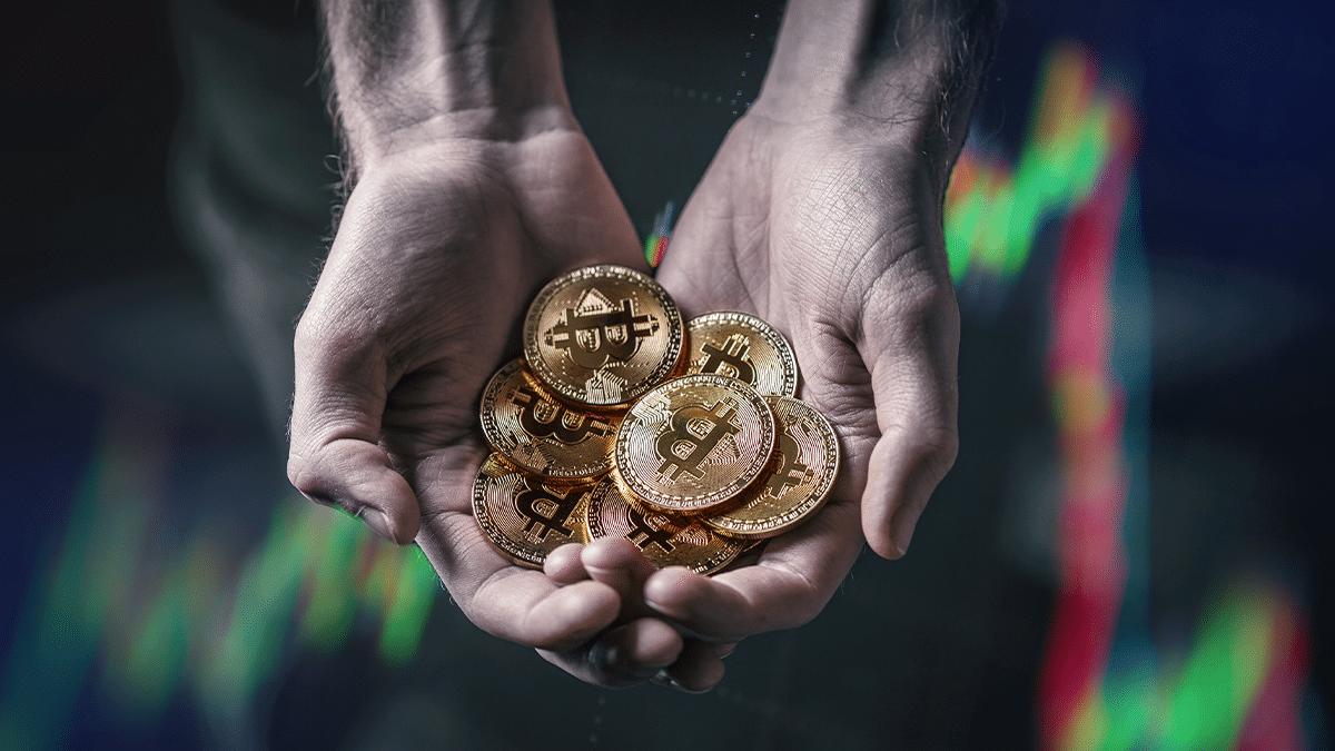 Firmas que invierten en bitcoin obtienen más retorno que S&P 500 y NASDAQ