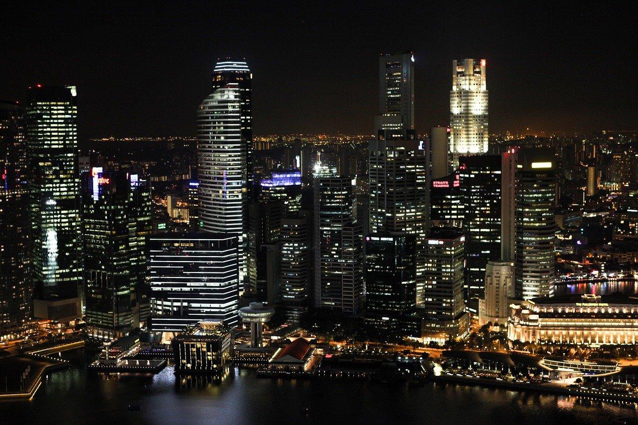 El Banco Central de Singapur selecciona 15 empresas para vender CBDC al por menor