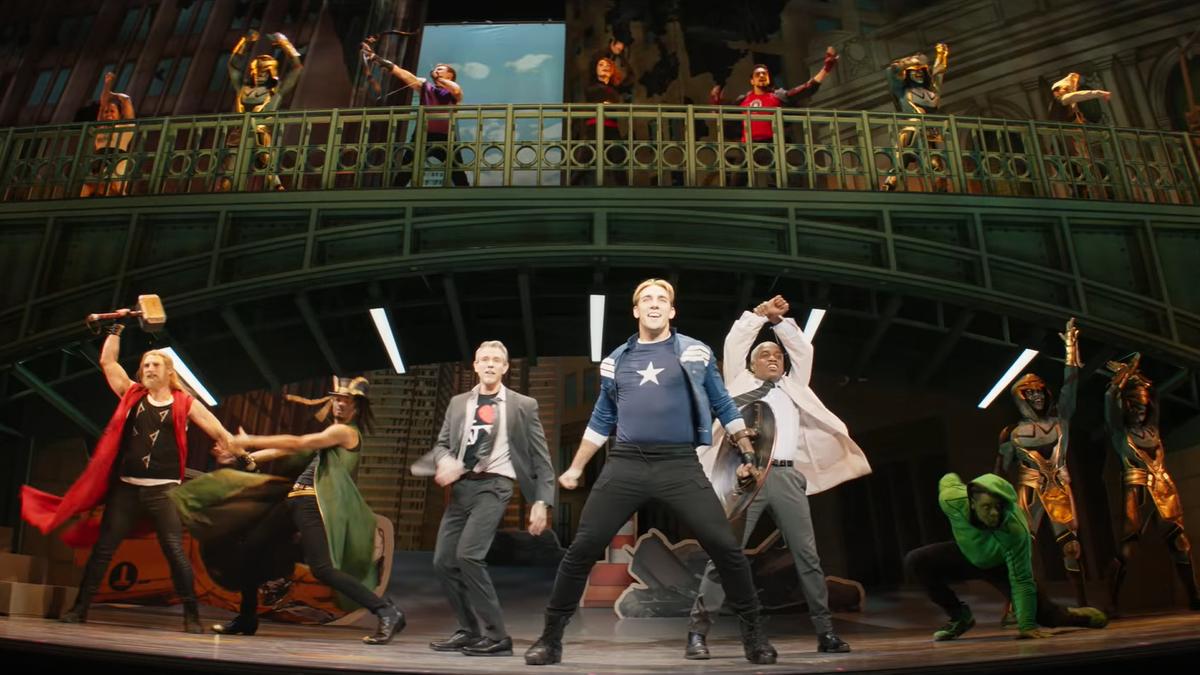 El musical que sale en el tráiler de Hawkeye pudo ser real