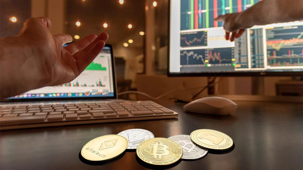 Firma con USD 360.000 millones de activos gestionados lanza servicio de trading de bitcoin