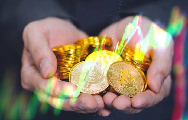 USD 1.200 millones en bitcoin salieron de los exchanges a pesar de caída abrupta de precio