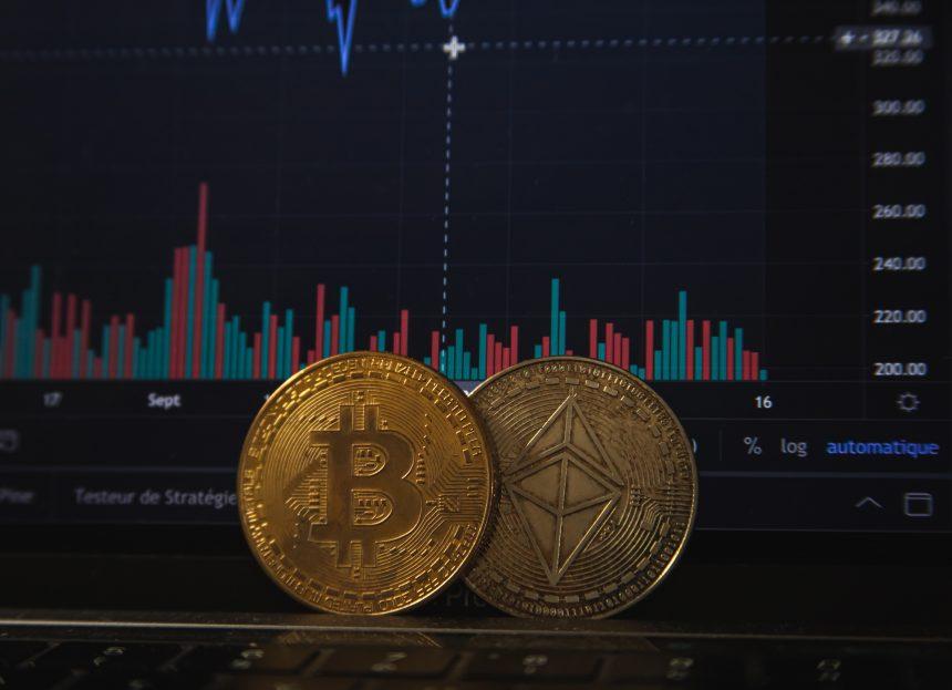 Las Altcoins de mediana capitalización aplastaron Bitcoin y Ethereum en agosto