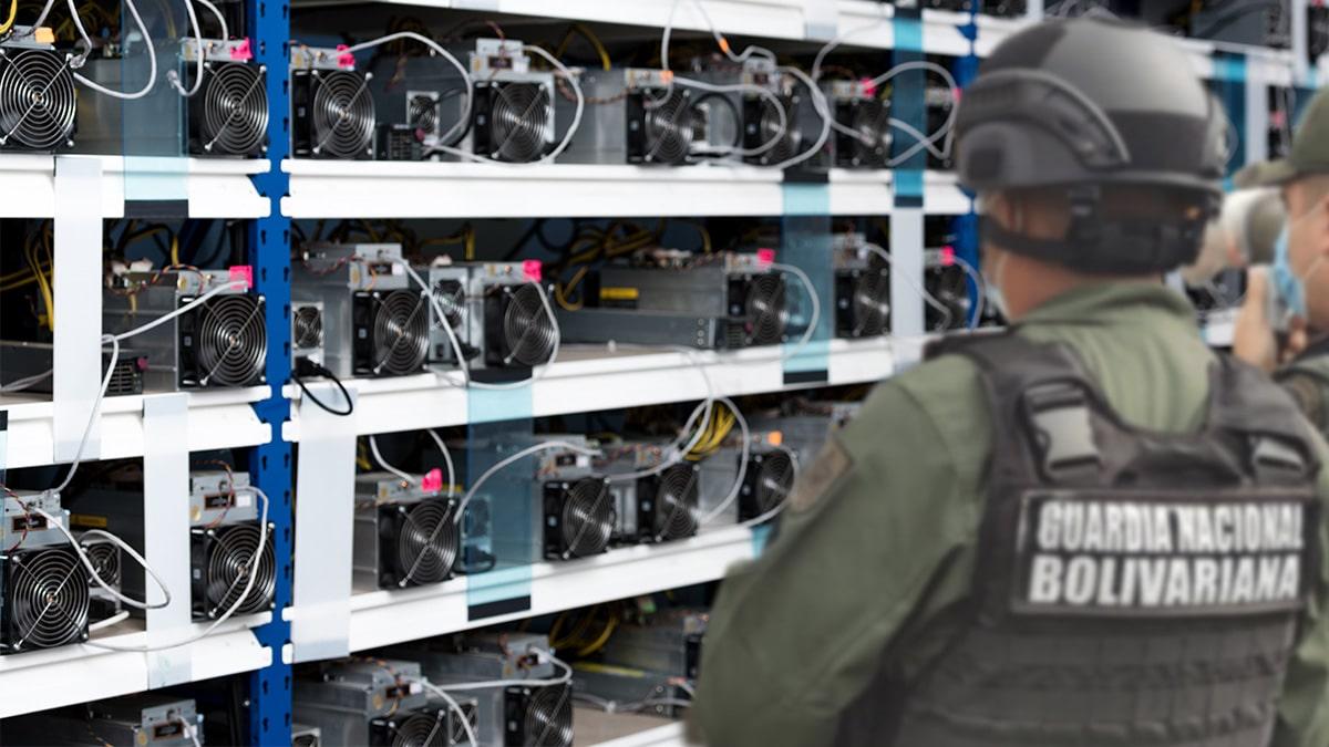 Policías de Venezuela irán presos si detienen a mineros de Bitcoin injustificadamente