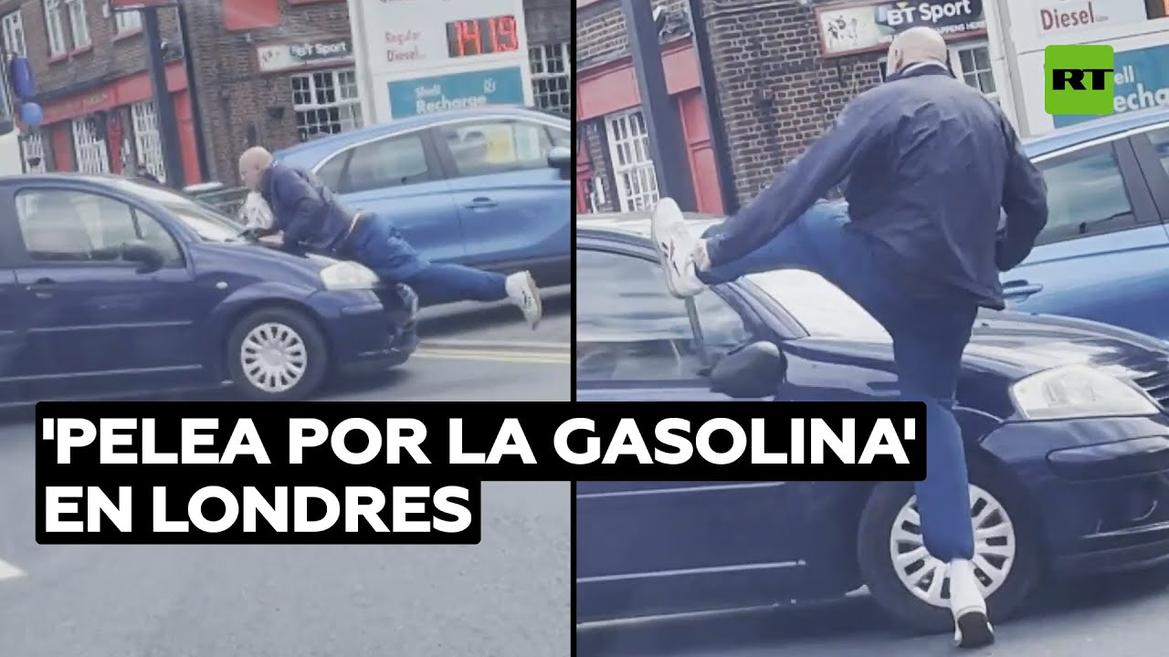 Hombre con cuchillo golpea a un coche en una gasolinera cerca de Londres @RT Play en Español