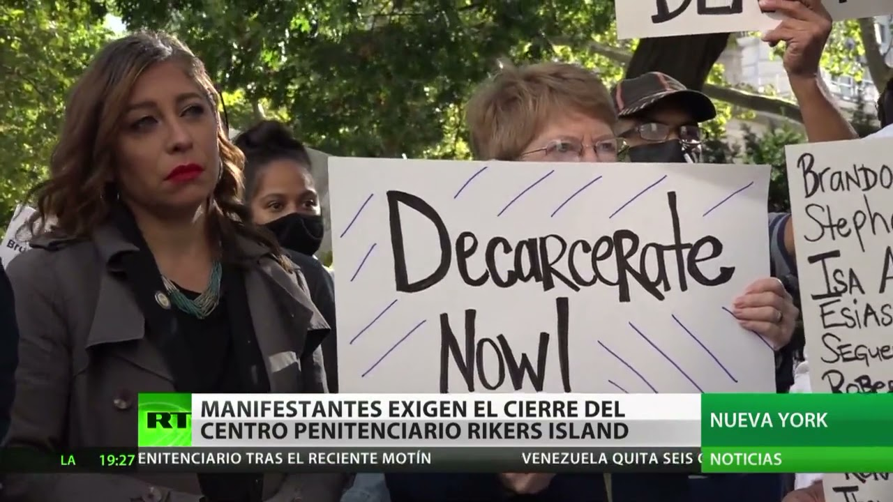 Manifestantes demandan el cierre del centro penitenciario Rikers Island en Estados Unidos