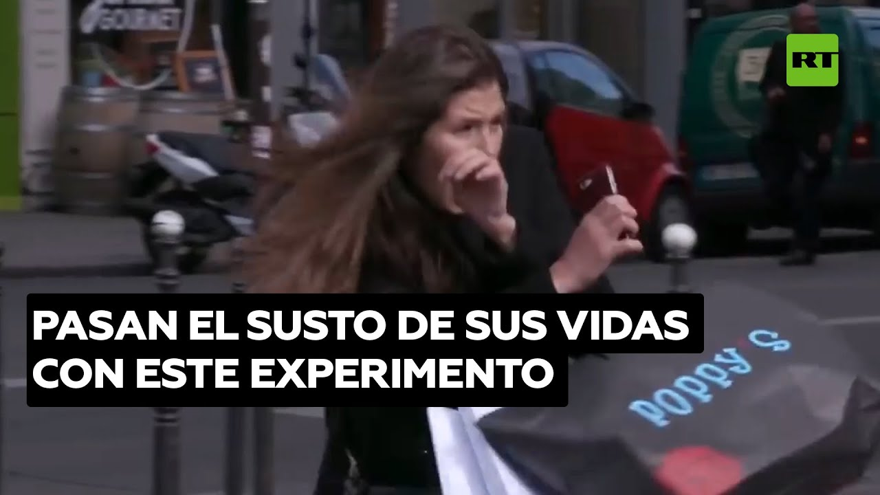 Experimento social para quienes cruzan la calle con el semáforo en rojo @RT Play en Español