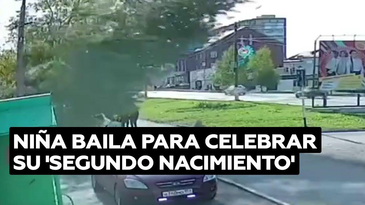 Niña baila para celebrar que no le cayó un árbol encima @RT Play en Español