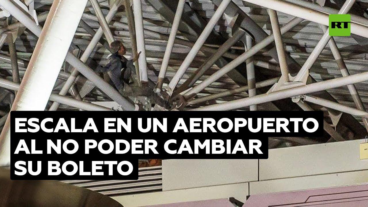 Un 'Spiderman' embriagado escala hasta el techo de un aeropuerto moscovita
