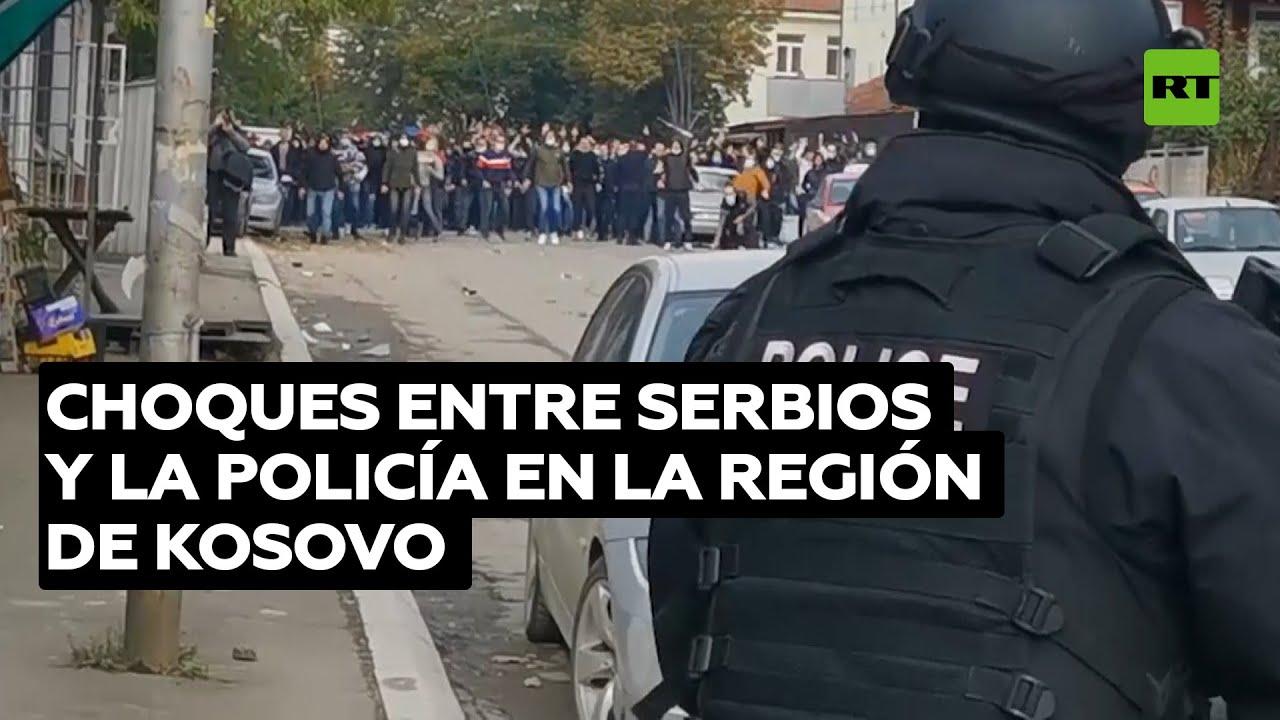 La Policía de Kosovo se enfrenta a serbios durante redadas