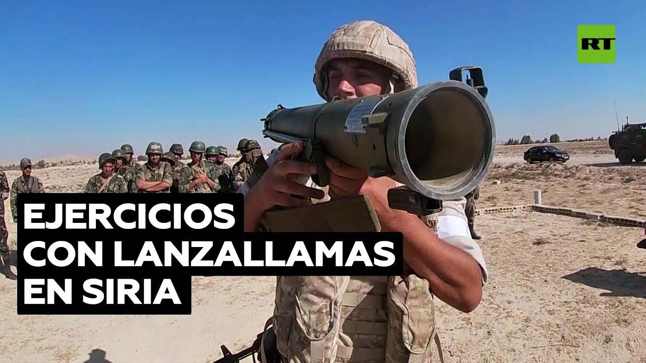 Militares rusos entrenan a sirios en maniobras con lanzallamas