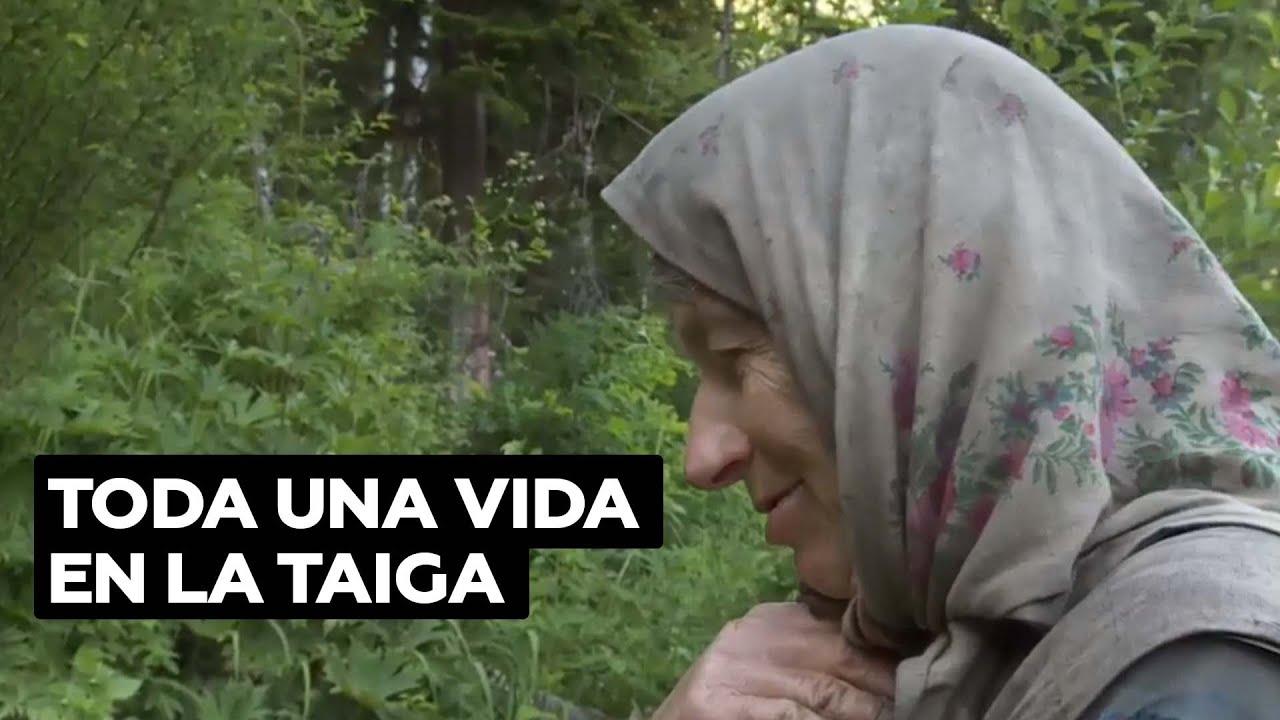 Una vida entera aislada de la civilización: la historia de Agafia, la eremita de la taiga siberiana