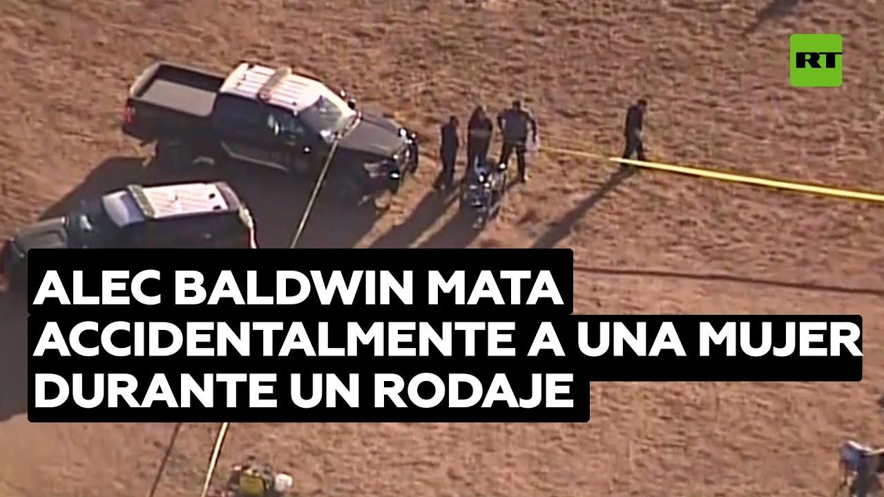 Alec Baldwin mata accidentalmente a una mujer durante un rodaje al disparar un arma de utilería