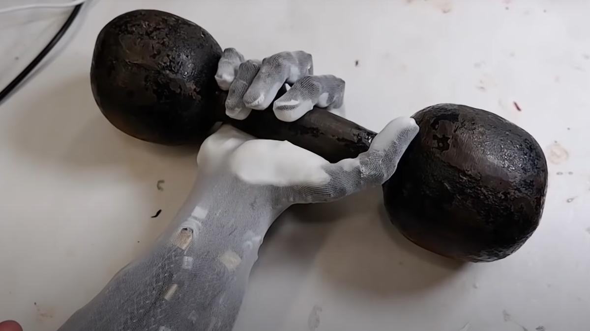 Este brazo robot que imita el de un ser humano es digno de Westworld
