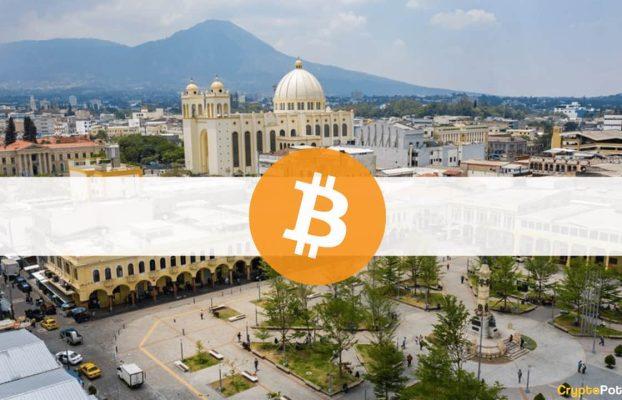 Los Salvadoreños Están Comprando Más Bitcoins