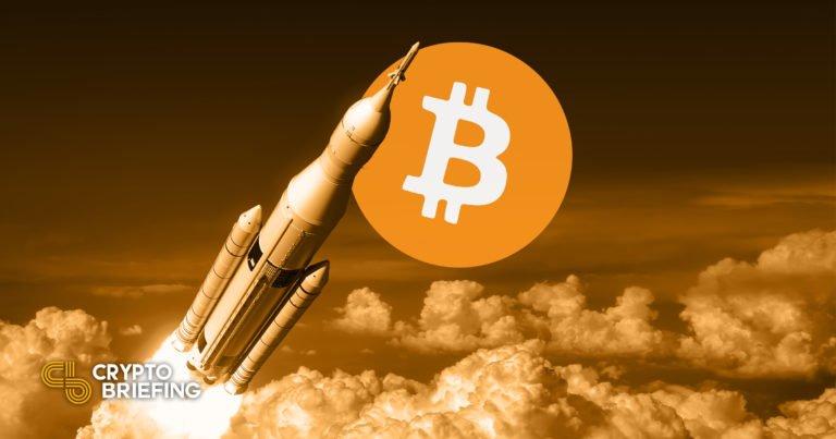 Bitcoin rompe los $ 56,000 con nuevos máximos récord a la vista