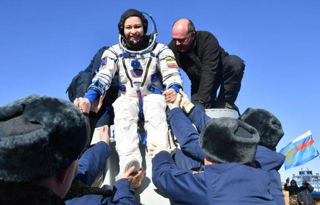 Equipo de filmación ruso regresa a la Tierra tras 12 días en la EEI